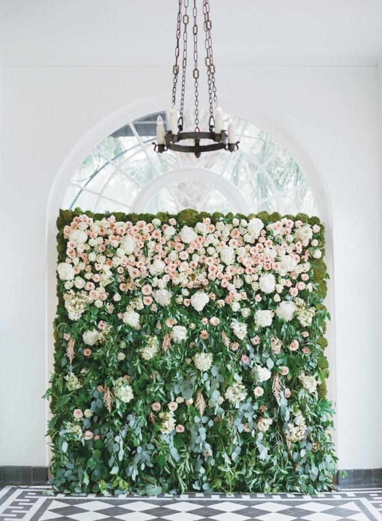 Wedding and floral design by Tara Guérard Soirée. Photograph by Elizabeth Messina at Lowndes Grove Plantation.