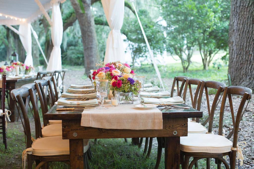 Event and floral design by Engaging Events. Linens from BBJ Linen. Rentals from EventWorks. Photograph by Marni Rothschild Pictures at the Legare Waring House.