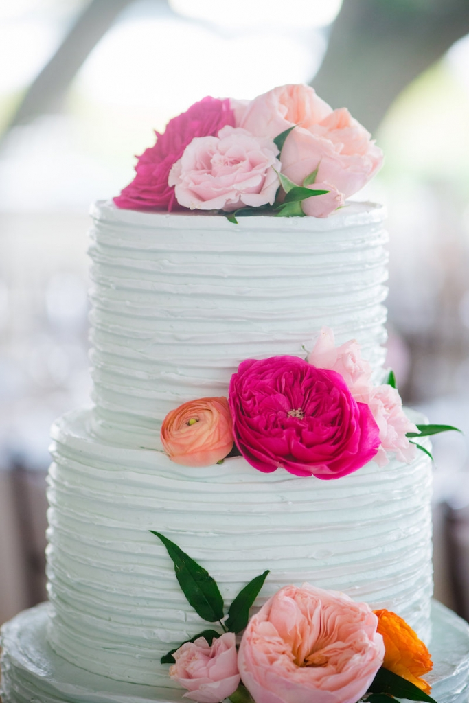 Cake by Jessica Grossman for Patrick Properties Hospitality Group. Florals by Branch Design Studio. Wedding design by Pure Luxe Bride. Image by Dana Cubbage Weddings at Lowndes Grove Plantation.