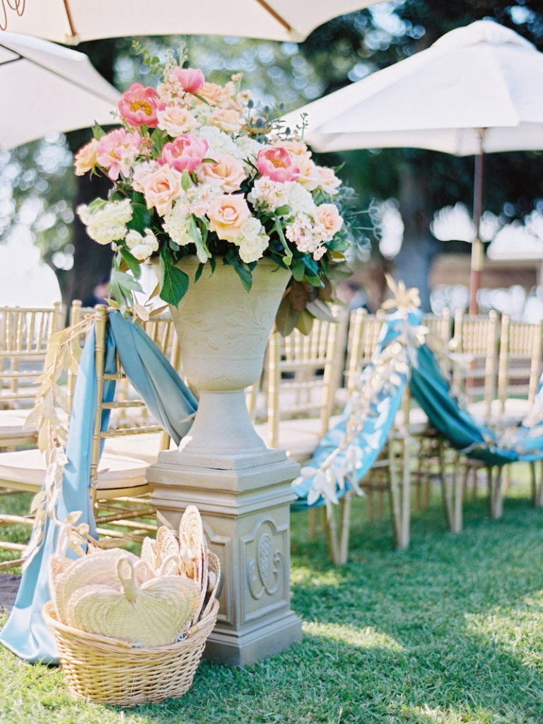 Wedding and floral design by A Charleston Bride. Rentals by Snyder Event Rentals. Image by Ryan Ray Photography at Lowndes Grove Plantation.
